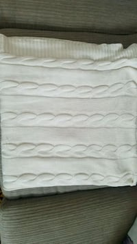 Cable knit Throw blanket Montreal, H4G 1H7