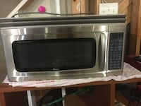 Stainless steel and black microwave oven Cumming, 30028