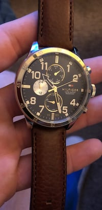 round gold chronograph watch with brown leather strap Beaumont, 92223