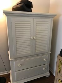 white wooden 2-door cabinet Arlington, 22204