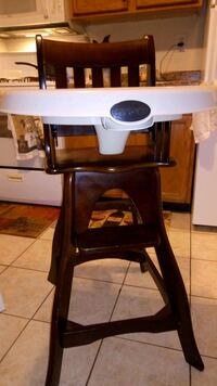 Nice wooden high chair  32 km
