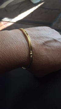 Stamped 22 k Gold bangle  weighs 9. Grams Surrey, V3S 5G3