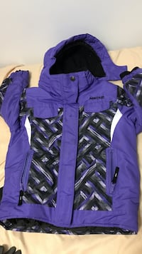 Boys winter jacket size 7 (great condition)
