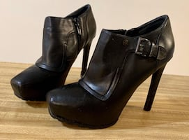 Guess angle booties size 9.5