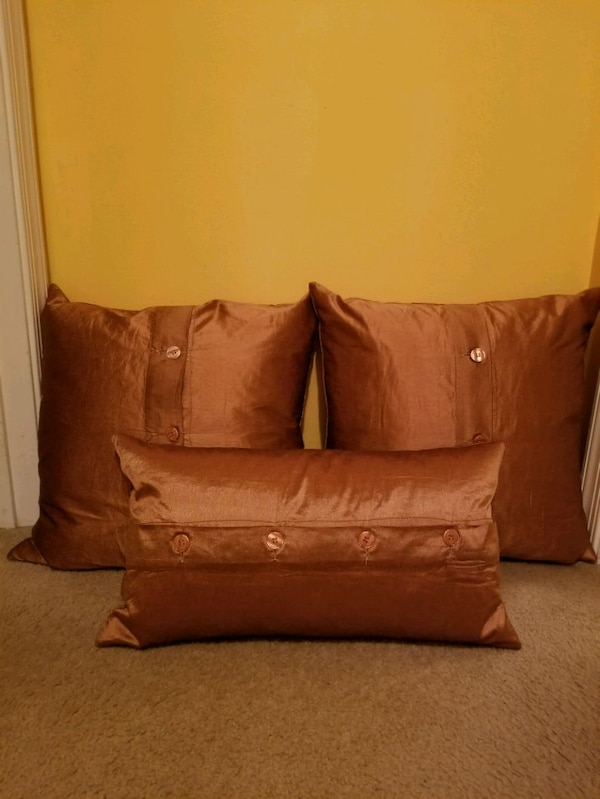 Like New! Bronze Down Filled Pillows  5be509bf-2705-4bf8-9b7c-60fa85d81720