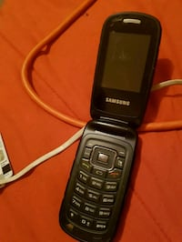 black Samsung candy bar phone Winnipeg, R2W 2A6