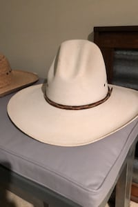3 western hats Silver Spring, 20910