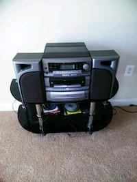 Boom box with speakers Oxon Hill, 20745
