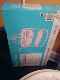 Fisher price soothing bassinet Newark, 07104