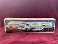 HESS 18 Wheeler Car Hauler with Racer (1992) 1992