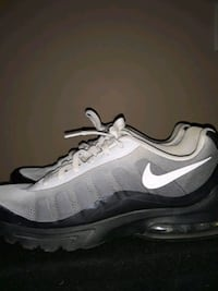 MENS NIKE AIR SNEAKERS SIZE 10 CLEAN Providence