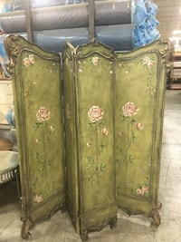 For RENT vintage folding screen.  Great for any backdrop and any Wedding, communion, confirmation occasion  Whitchurch-Stouffville, L4A 5B8