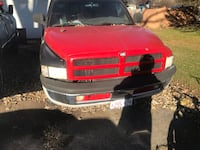 Dodge - ram - 1998 200 plus miles, starts right away and runs good, not too much rust for its age 2 wheel drive
