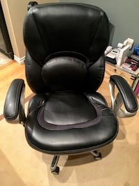 SERTA Black leather office back chair Vancouver, V5R 5E3