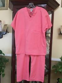 New Scrubs 2pcs in size small tall Woodbridge, 22191