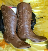 Never worn size 6 cowgirl boots  Indianapolis, 46227