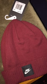 Nike winter hat 251 mi