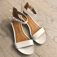 Pair of white leather open toe ankle strap heels Cleveland, 44106