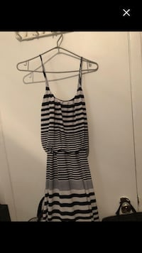 Woman Like new very long dress size S worth 60$ Montréal, H4E