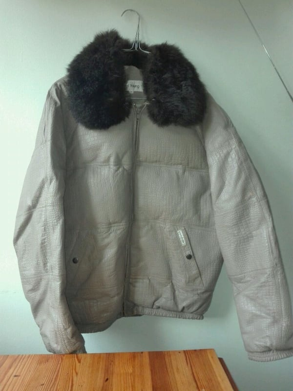 Genuine Vintage Goose down leather and furr jacket 0d73dfc1-a308-4ca8-b450-a2774fa9c15c