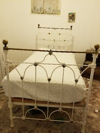 Vintage Iron/Brass Twin Bed NEWYORK