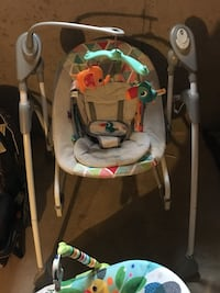 baby's gray and white swing chair Hampstead, 21074