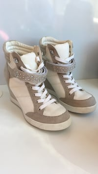 White and beige high top sneaker wedges. Size 6 only worn once! Ajax, L1Z 1X8