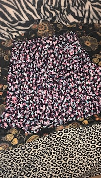 Black, white, and pink floral skirt Apache, 73006