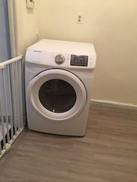 Samsung 7.5 cubic ft dryer new never used