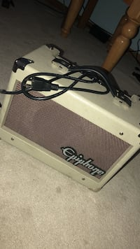gray Epiphone guitar amplifier Bridgewater, 02324