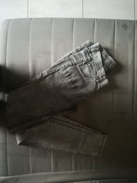jeans cinza