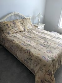 white and pink floral bed sheet Bunnell, 32110