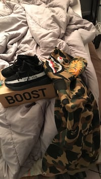 Bape-M yeezy-8.5 fits 9 for sure both for $250 3162 km