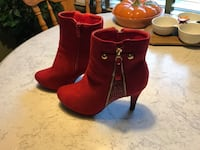 Red boots Allouez, 54301