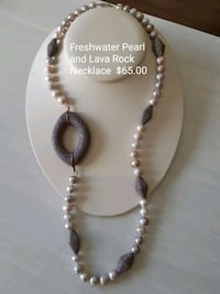 silver-colored and white beaded necklace Dufresne, R0A 0J0
