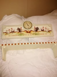 Rooster clock with matching Shelf Elizabethton