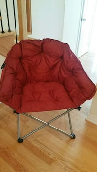 Cushion folding chair (brand new)