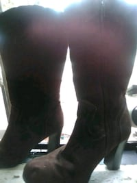 pair of black leather boots Pensacola, 32506