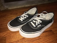 Off the wall vans        Size : 6 in women's and 4.5 in men  Burnaby, V5C 3V2