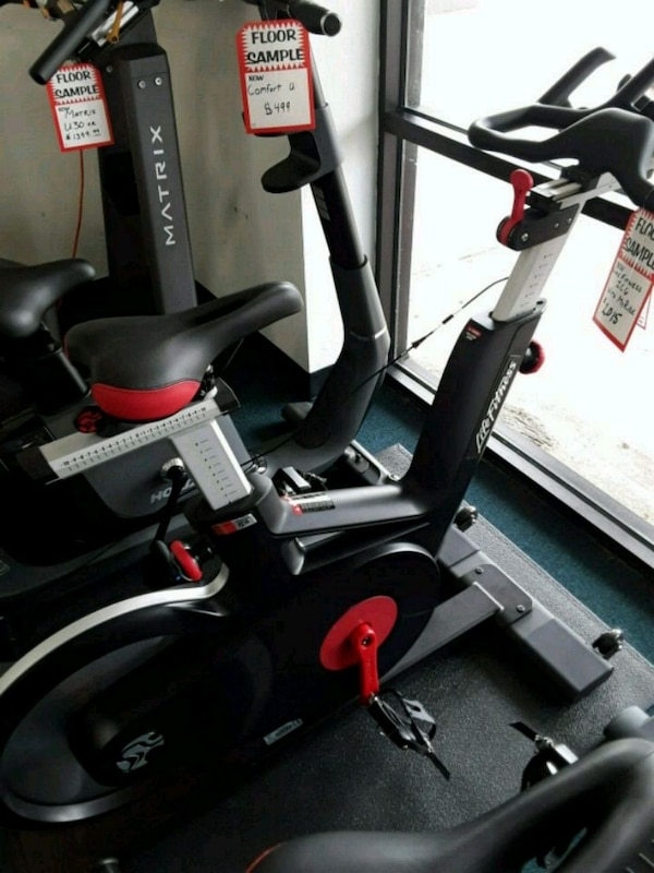 Spin Bikes For Sale >> Used Spin Bikes Life Fitness For Sale In Katy Letgo