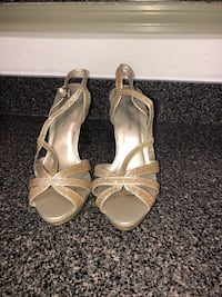 Size 9 heels worn once  Odenton, 21113