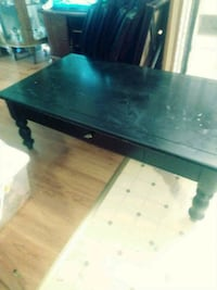 2 pc Ashley furniture...coffee table and 1 end tab Rutledge, 37861