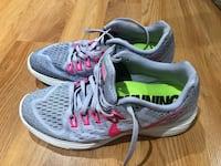 Nike woman's Lunar Trainer 8.5