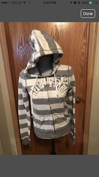 Women's Gray and white Abercrombie & fitch zip-up hoodie jacket Calgary, T3G