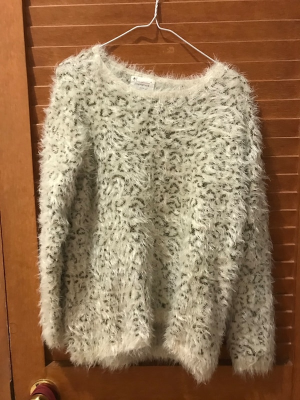 Zara knitwear/ no shipping/ pickup only eb17157a-40d9-485b-941a-e27a1a65e766