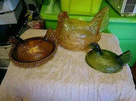 Vintage glass hens and nest