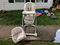 baby's white and gray high chair Sterling, 20164