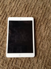 $140 iPad mini excellent condition like new w/2ft power cord