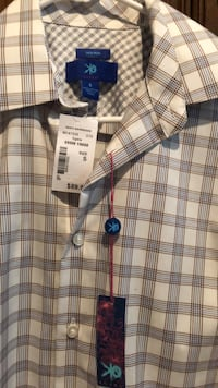 New mens dress shirt size S from Mens Wearhouse. New tag still on. Bartlett