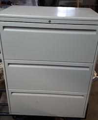 3 DRAWER LATERAL FILING CABINET – CLASSEUR LATERAL Montreal